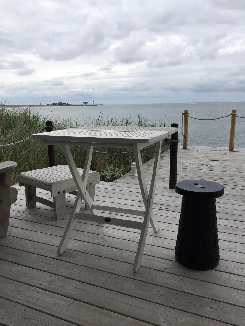 Tisch am Strand > Wedo > Faktwert > 800x1066